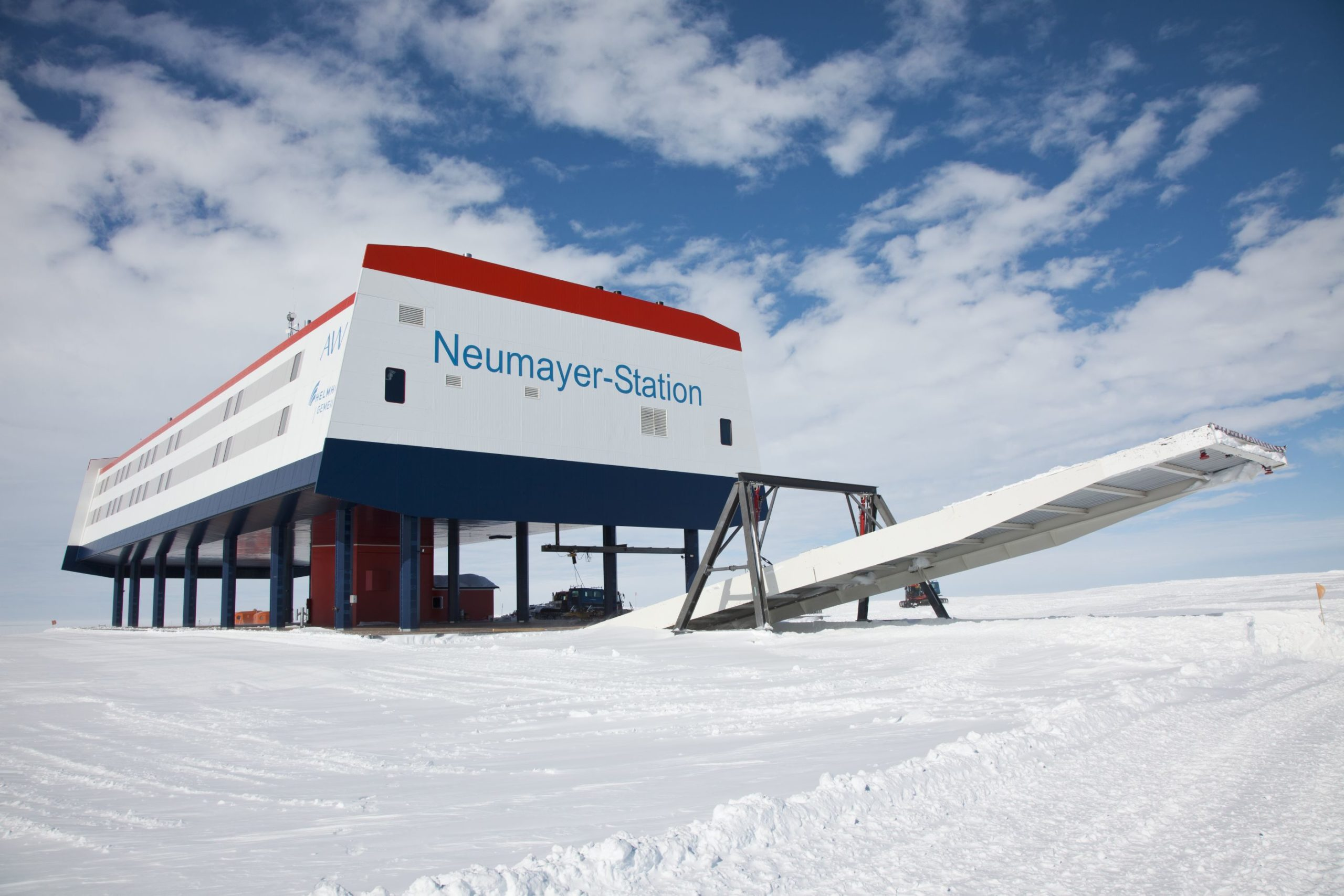 Die deutsche Forschungsstation Neumayer-Station III in der Antarktis. The german polar research centre Neumayer-Station III in the Antarctica
