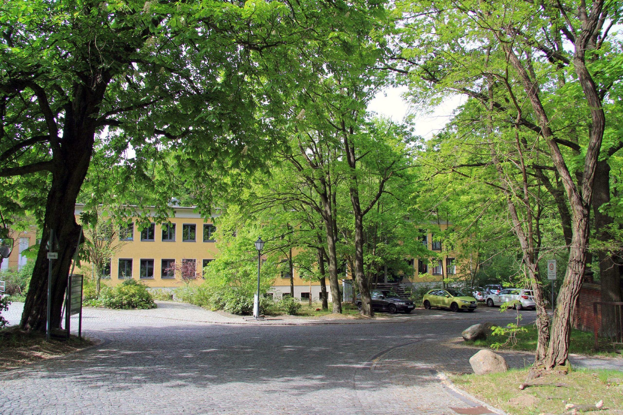 AWI-Hauptgebäude am Telegrafenberg in Potsdam